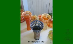 Blackberry Open Edge, Fenton. Vases fantaisistes