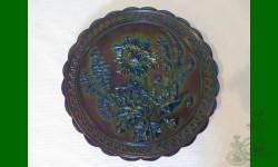 Chrysanthemum, Imperial. Assiette de service, signée Nuart. Vert, émeraude. Spectaculaire